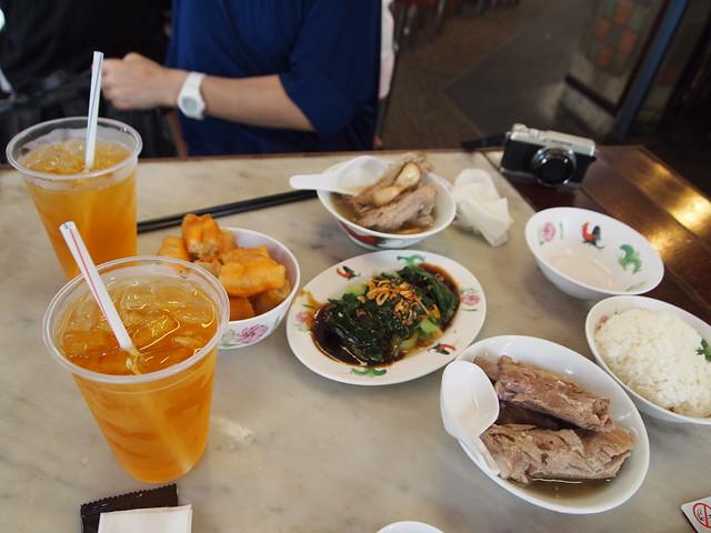 P4189234 松發肉骨茶(SONGFA BAK KUH TEH) バクテー シンガポール