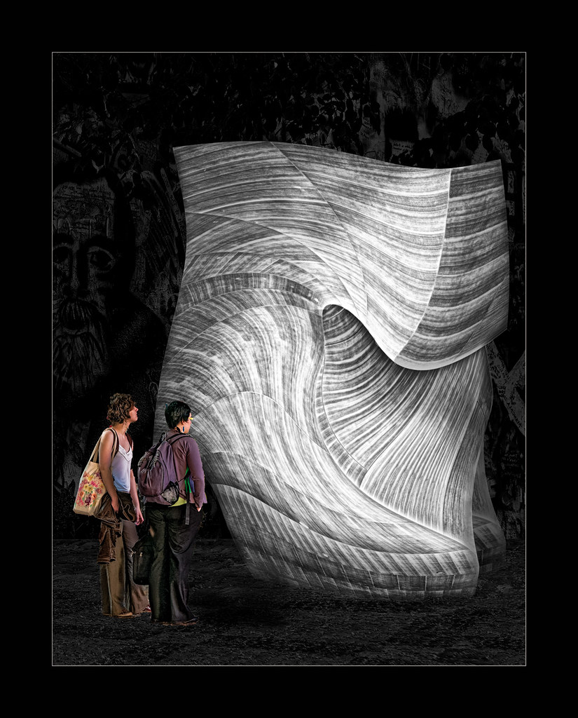 Frank-Gehry-meets-Henry-Moore-frm,-Transformed-Art-Gallery