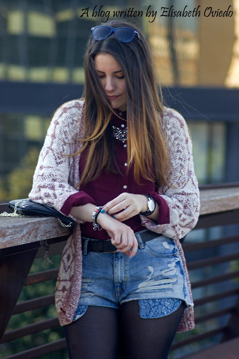 shorts denim camisa burgundy look HEELSANDROSES (10)