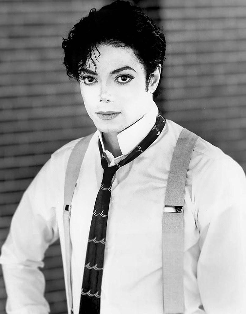 Чёрно-белые фото Майкла Джексона