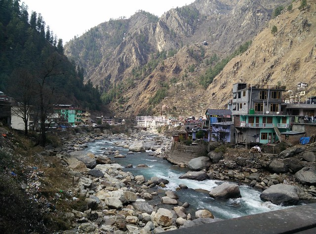 The first glimpse of Manikaran as we approached from Barshani. Credits: Akshay Maggu