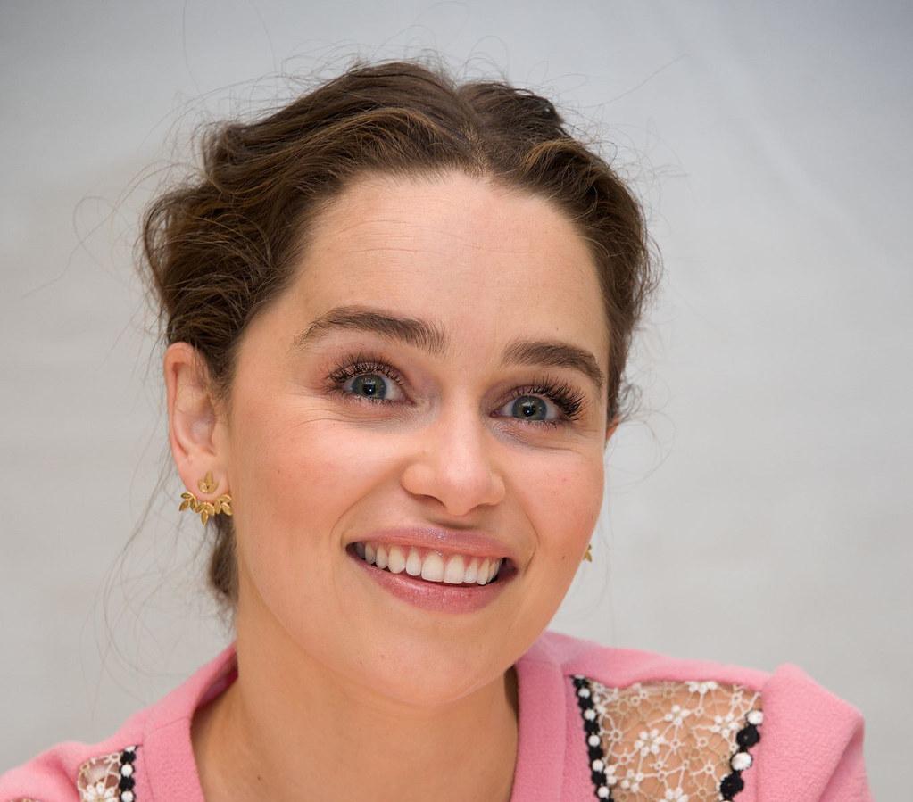 Эмилия Кларк — Пресс-конференция «Игра престолов» 2016 – 6