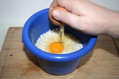 30 - Eier zum abgekühlten Reis geben / Add eggs…