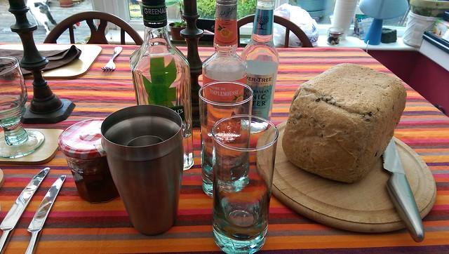 Marmalade gin tonic