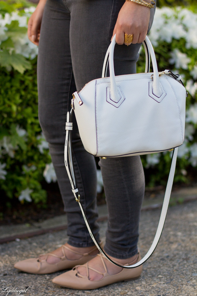 white blazer, grey jeans, lace up flats, white bag-6.jpg