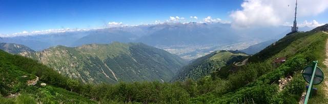 Vista sulle Alpi dal Monte Tamaro