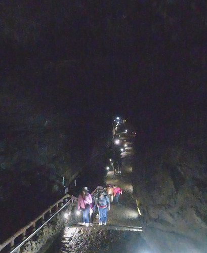 Co-Jejudo-Jeju 2-Lava Tube (17)
