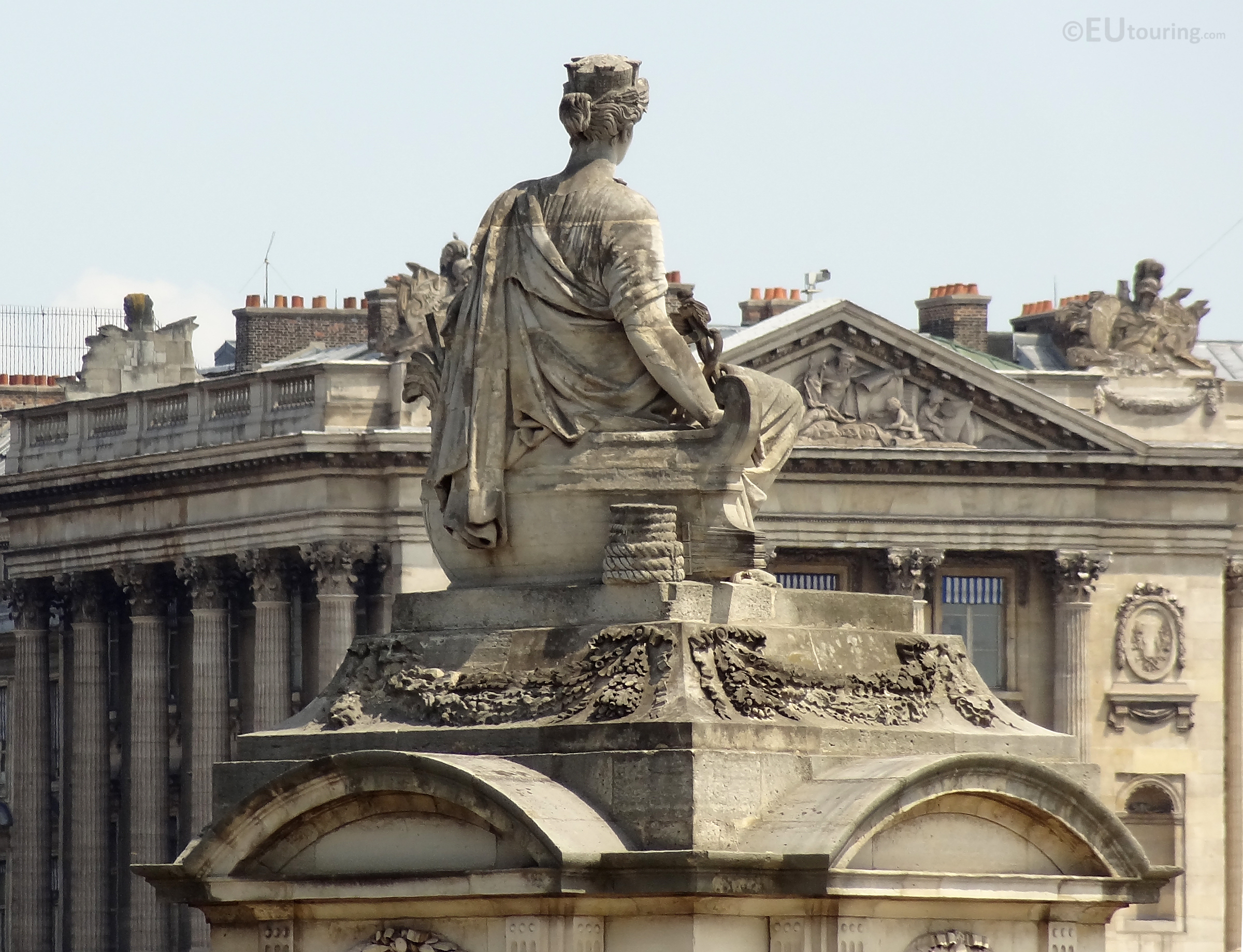 Nantes statue