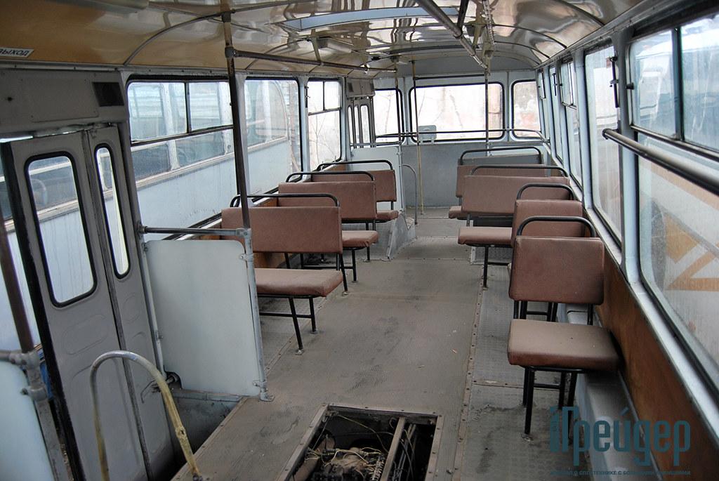 ЛиАЗ-677М салон