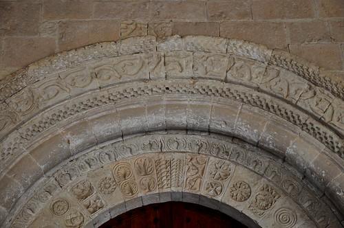 San Pedro de Gaíllos (Segovia). Iglesia de San Pedro. Portada. Detalle de arquivoltas