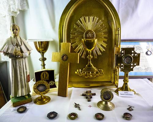 art museum catholic religion arts indoor iowa relics logania museumofreligiousarts