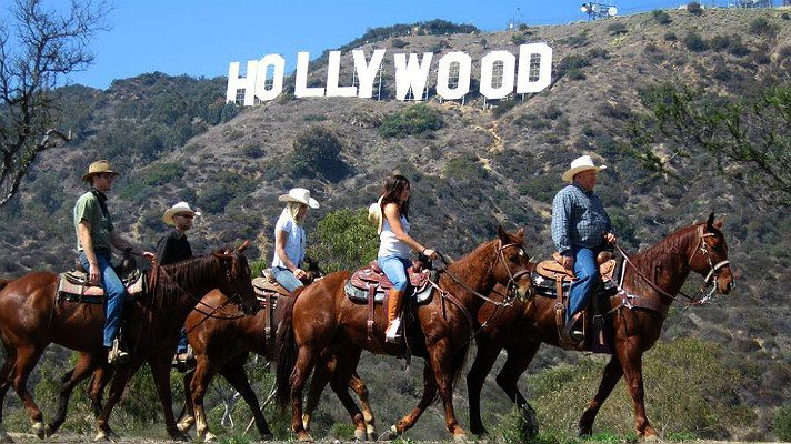 sunset-ranch-hollywood-sign_0_0