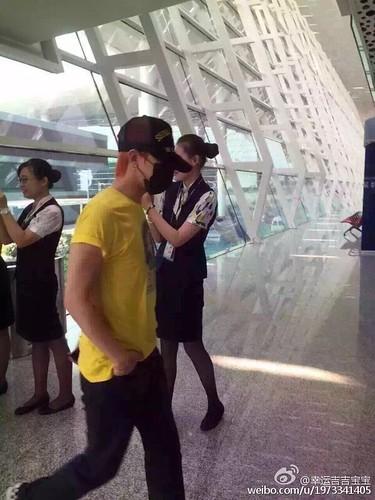 more BIGBANG arrival Shenzhen 2015-08-07 (60)