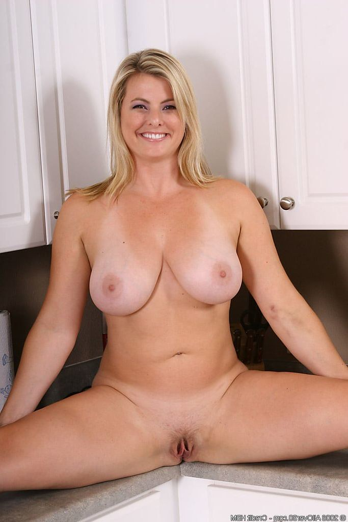Nude Mature Blond