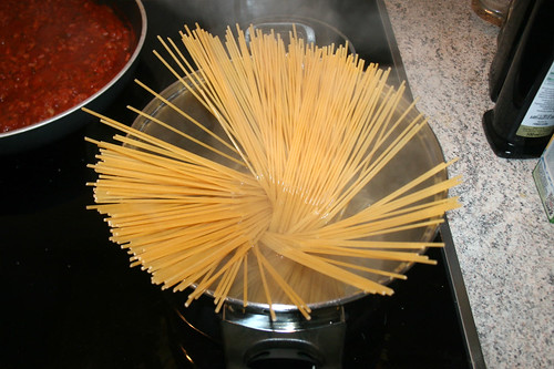 33 - Spaghetti kochen / Cook spaghetti
