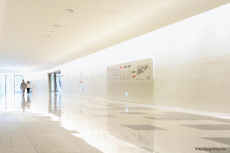 Dongdaemun Design Plaza Interior Corridor