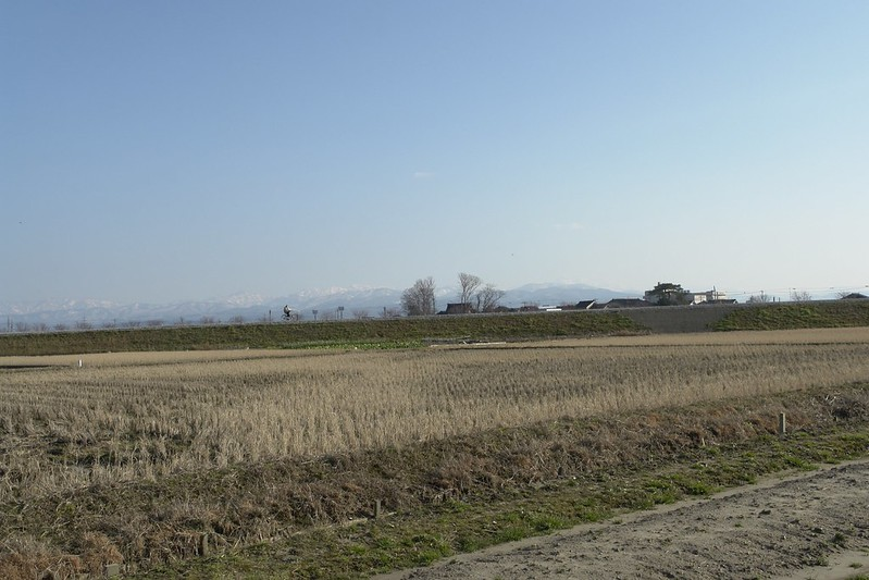 金沢市観音堂地区からの白山