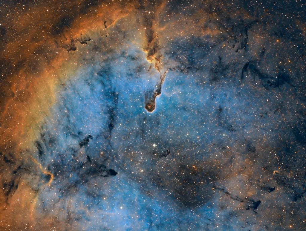 IC1396 et la nébuleuse de la trompe 33393670748_637d7ca74e_b