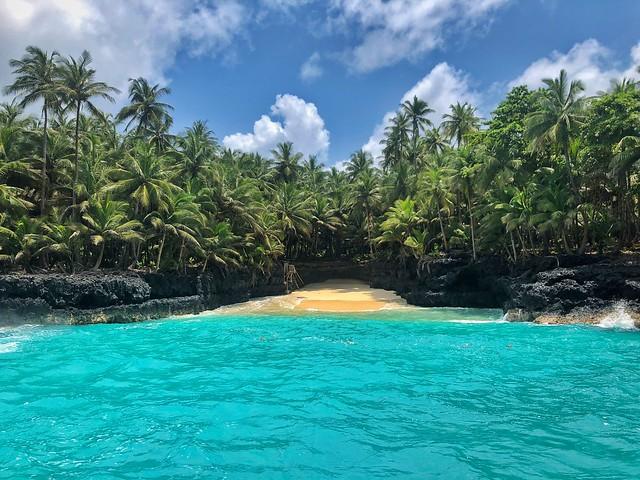 Cala paradisíaca al sur del islote de Rolas (Santo Tomé y Príncipe)