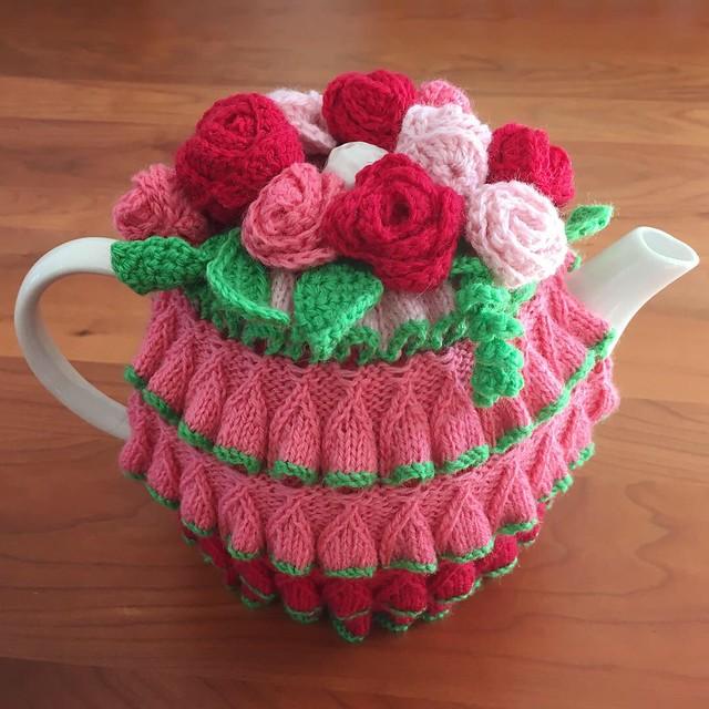 Daffodil Stitch Teapot Cosy