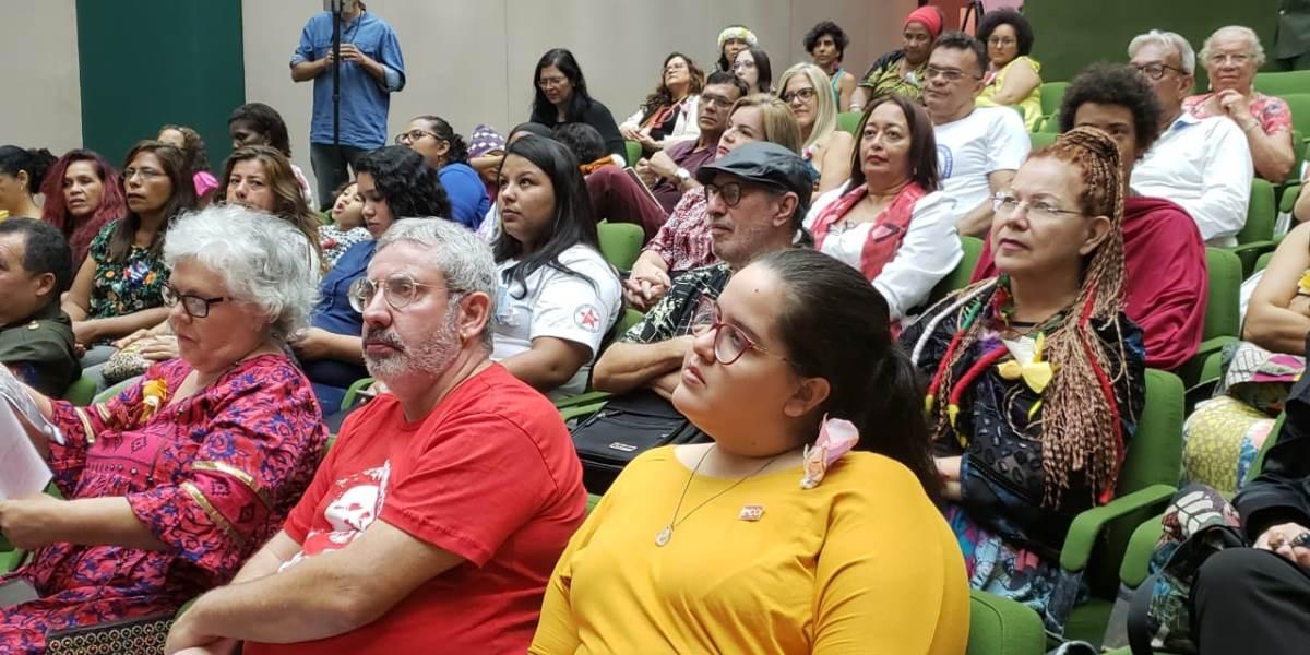 Mujeres brasileras y venezolanas se encuentran en Brasilia por la paz de Venezuela