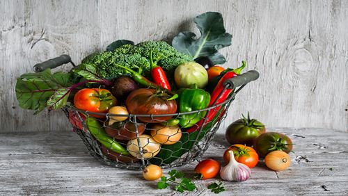 Anjuran dan Pantangan Makanan Penderita Mata Merah