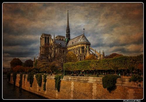 Paris_Seine_Notre Dame de Paris_4e Arrondissement