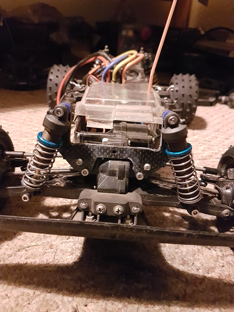 Tamiya Thundershot / Thunder Dragon / Terra Scorcher / Fire Dragon carbon front shock tower and ball joint camber link mount