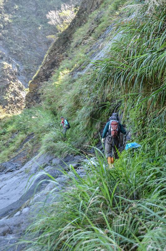 岩壁小瀑 (1)