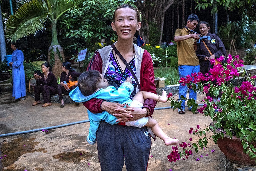 Odd woman and her baby at Tinh Quang Temple--Krong Buk 2