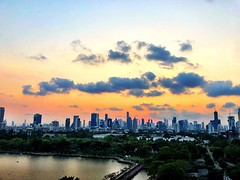 Fluffy cloud :cloud: sunset :city_sunrise: #bangkok
