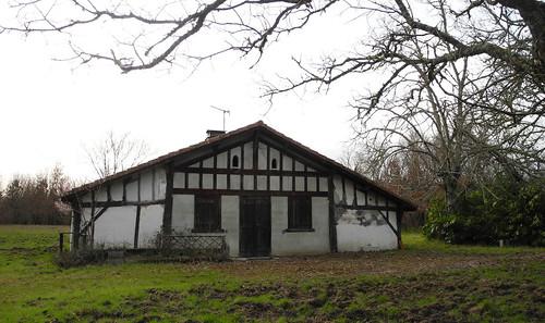 Maison landaise / typisches Haus der Landes / Типичный дом Ландов
