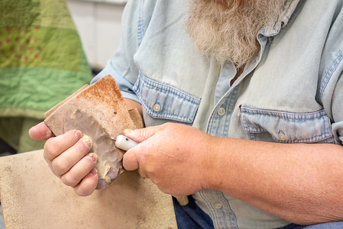 Hand-Making Arrowheads and Blades (4)
