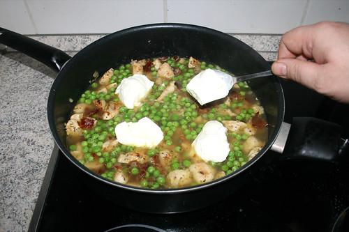 34 - Frischkäse dazu geben / Add cream cheese