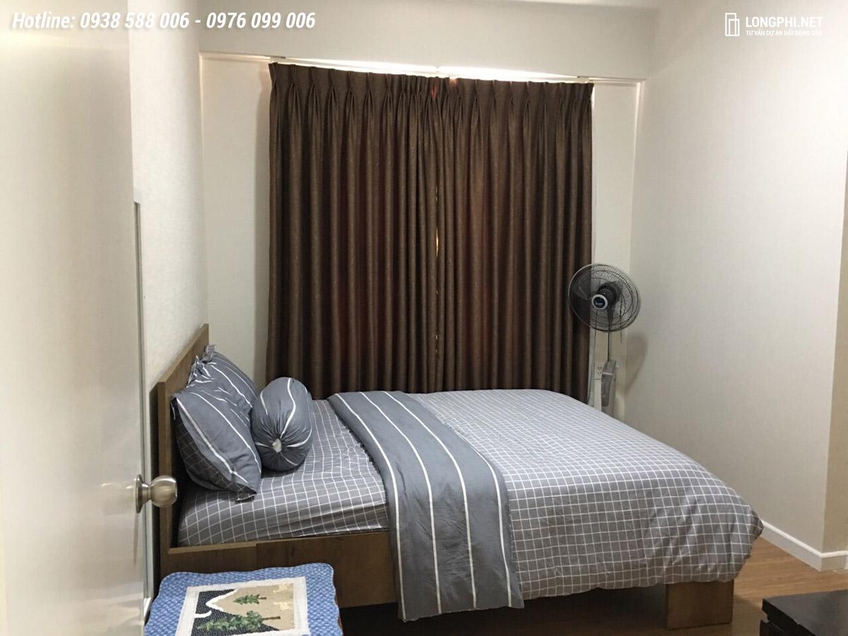 Phòng ngủ bao gồm sẵn nội thất.