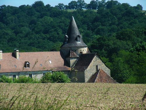 20090531 147 1110 Jakobus Sauvelade Klosterkirche Feld Wald Hügel
