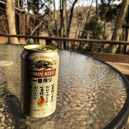 フォンテーヌの森キャンプ場でビール