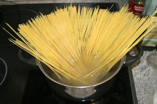 11 - Spaghetti kochen / Cook spaghetti