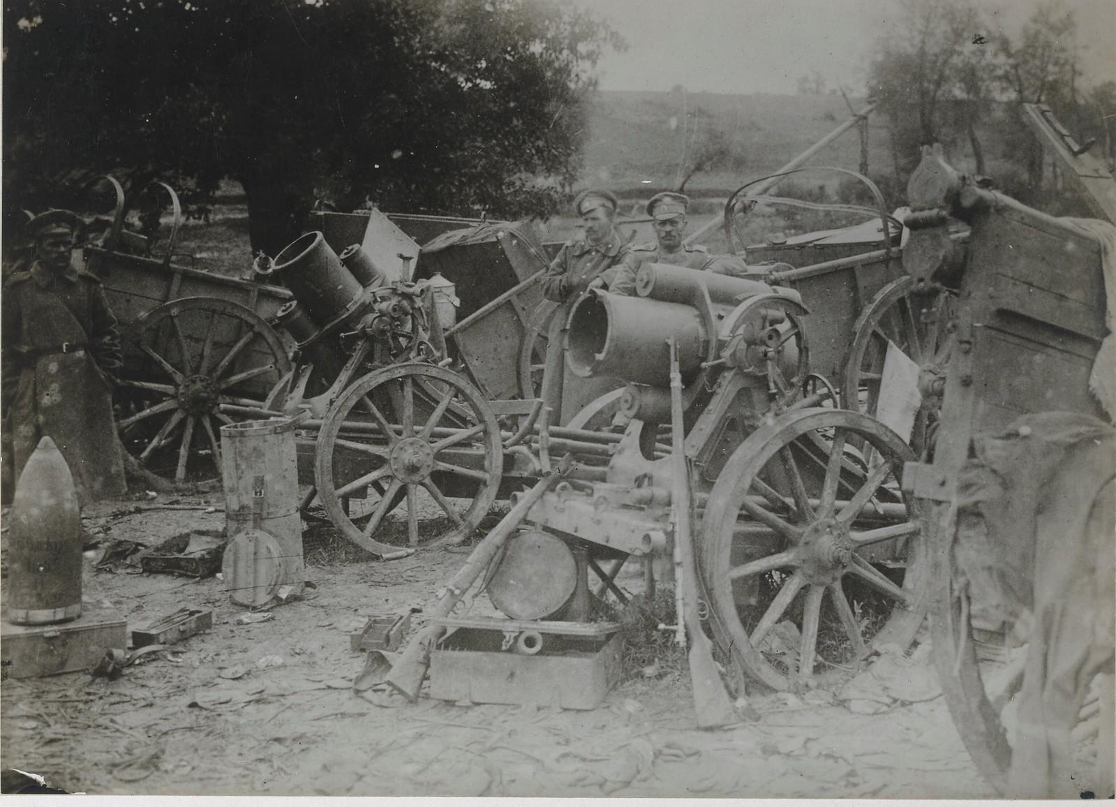 Захваченные у большевиков орудия