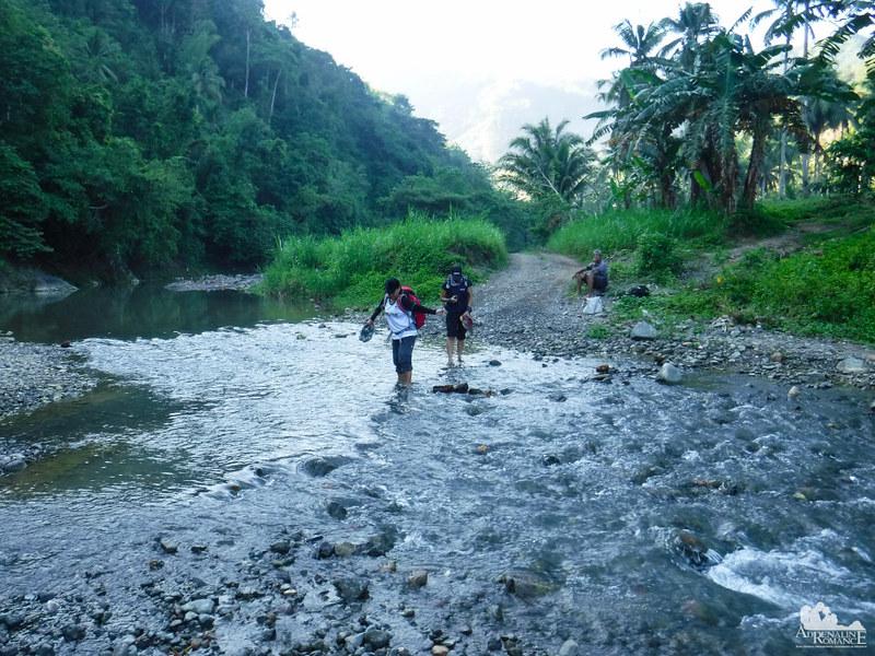 Crossing the Lusaran River