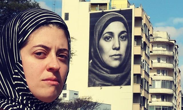 Women of the world . . with @majuminervino . #ar3photography #women #womenoftheworld #fuerza #mulheres #photography #retrato #canon #canont6i #archsp #arquitetura #minhocao  #arquiteturabrasil #graphite #arquiteturaeurbanismo #hijab #fotografia #fotografa
