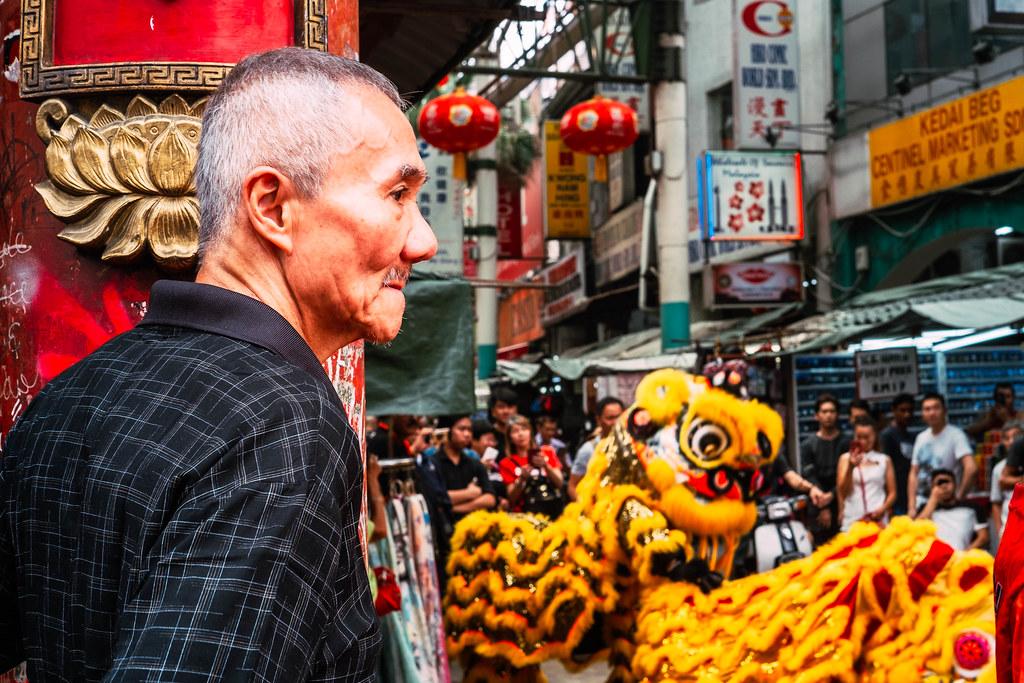 lion dance chinese new year malaysia kuala lumpur