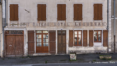 'Au Petit Bateau'