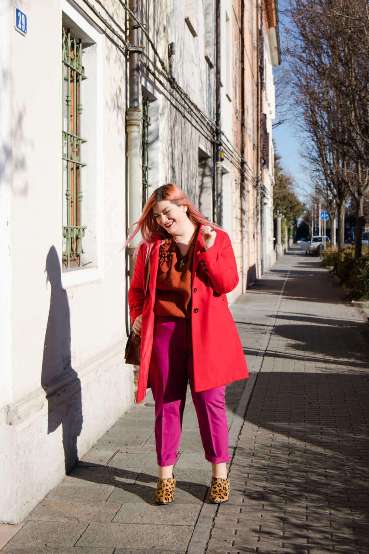 Outfit curvy plus size colori accesi (5)