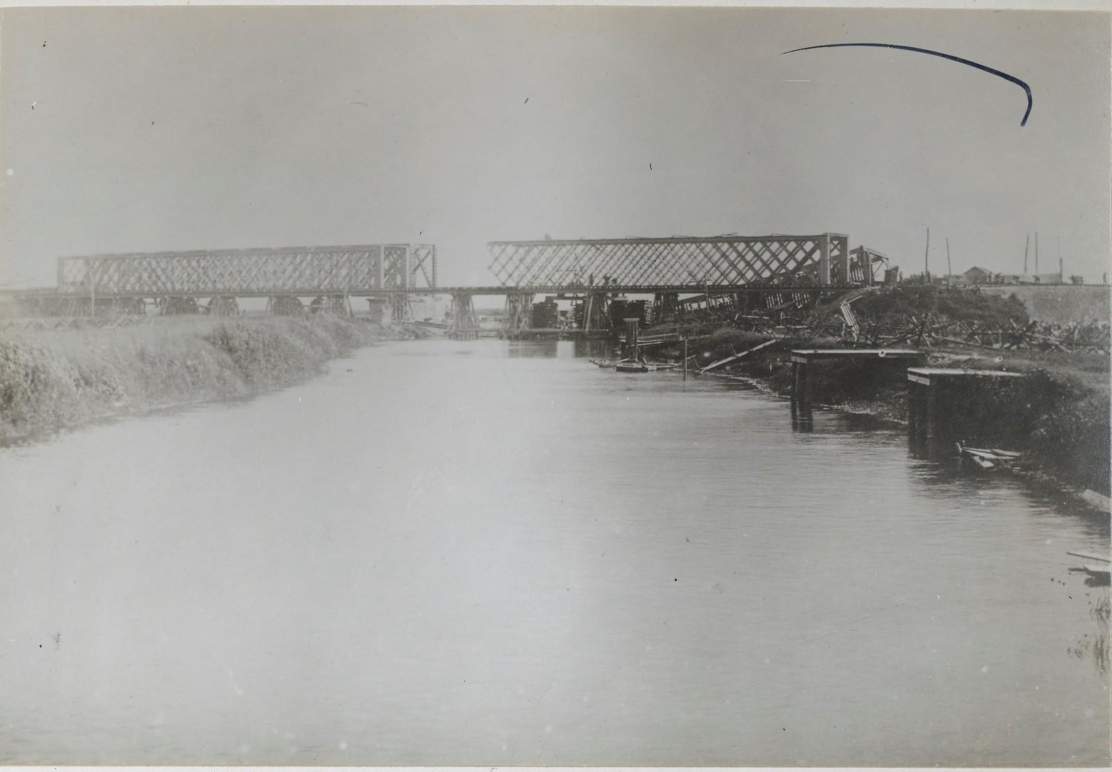Разрушенный большевиками мост