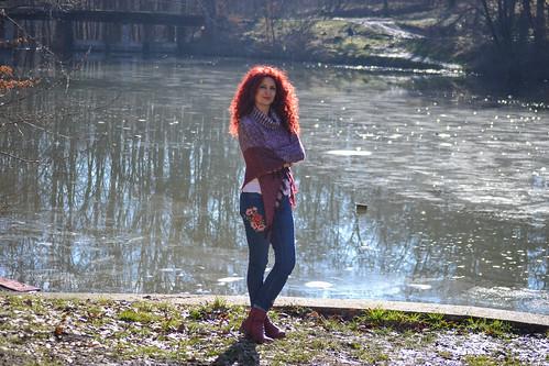 red lake woman jezero trešnja avala serbia hair sun