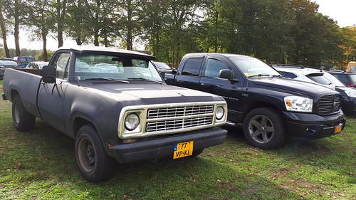 2x Dodge