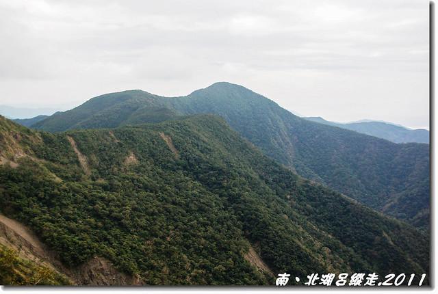 北湖呂東邊稜線眺望南湖呂山