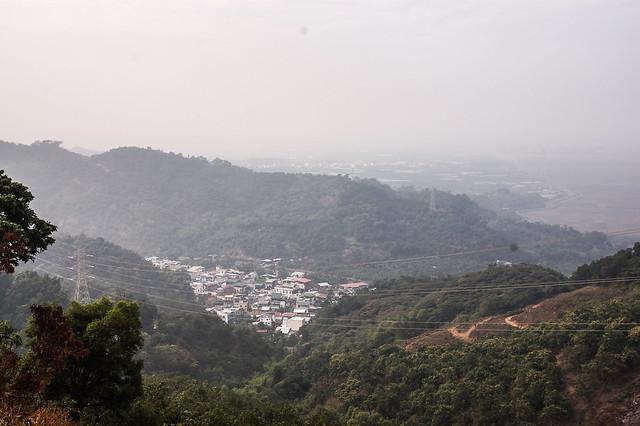 千金湖山登山口俯瞰文樂社區