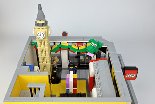 LEGO Store Leicester Square, ground floor | by Berthil van Beek